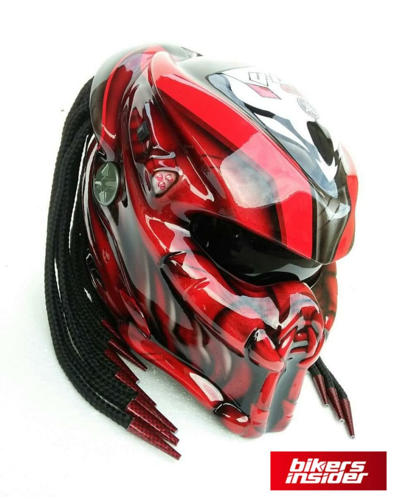 The iconic Predator comes to life in this motorcycle helmet.