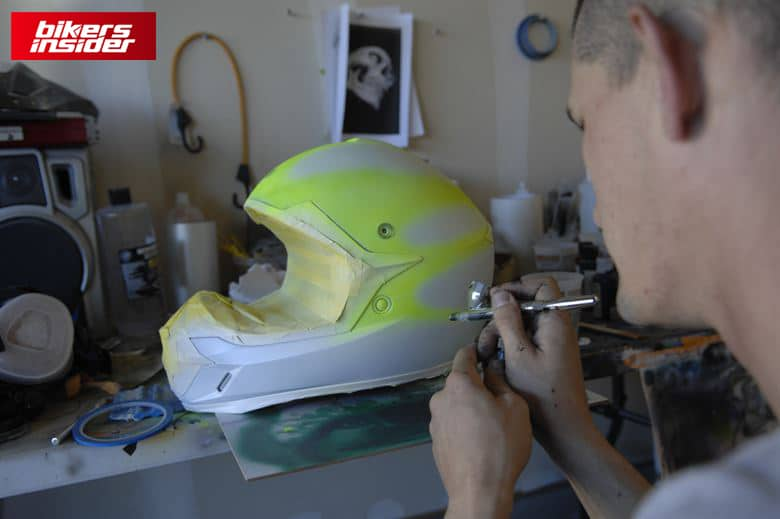 How Do Airbrushes Work?