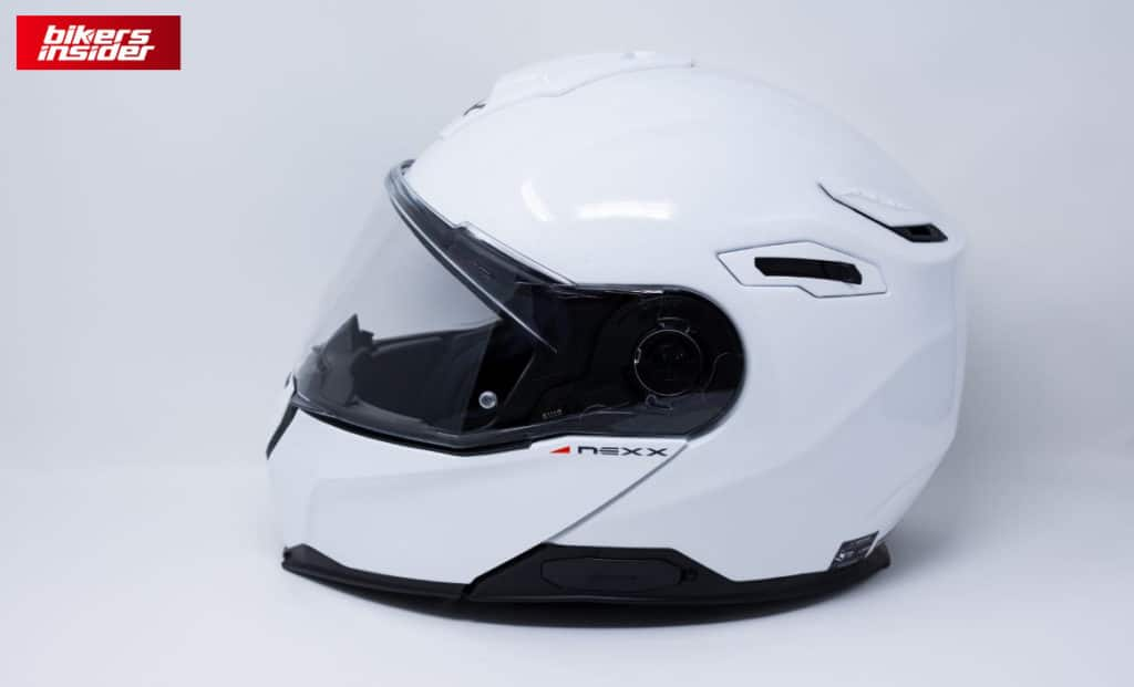 The side view of the NEXX X.Vilitur modular helmet.