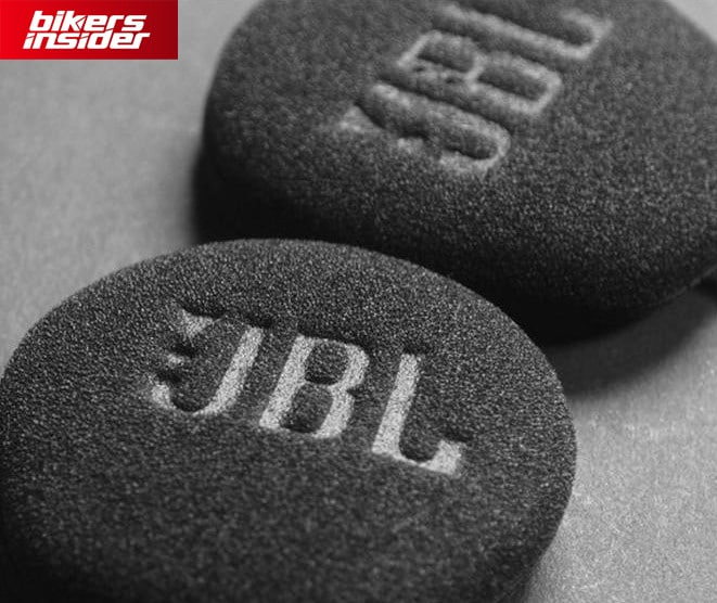 Cardo PACKTALK Slim features amazing JBL speakers that offer amazing sound quality.