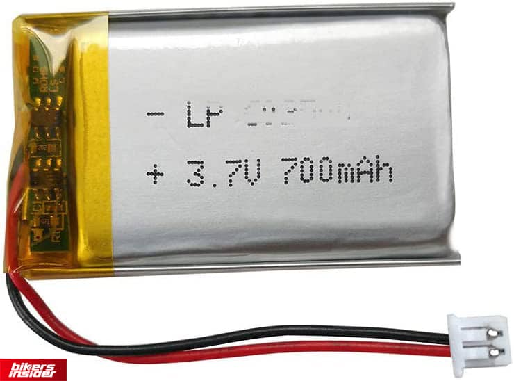 The Sena 20S battery can easily withstand 13 hours of constant use.