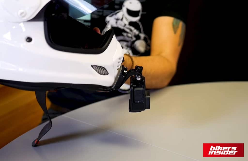 The optimal way to put your action camera on the helmet mount.