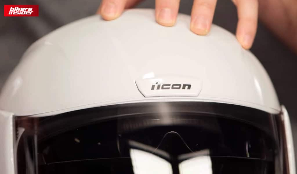 Icon Airform has a top chimney vent.