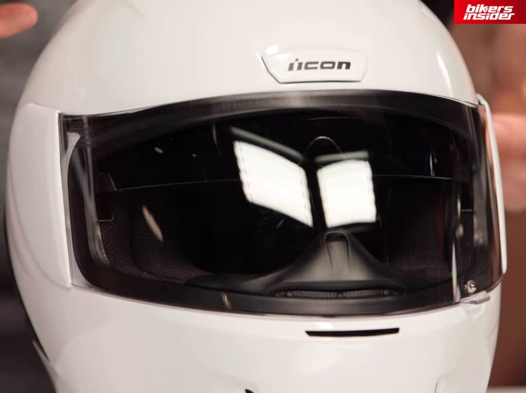 The Icon Airform doesn't have a 100% optically correct face shield.