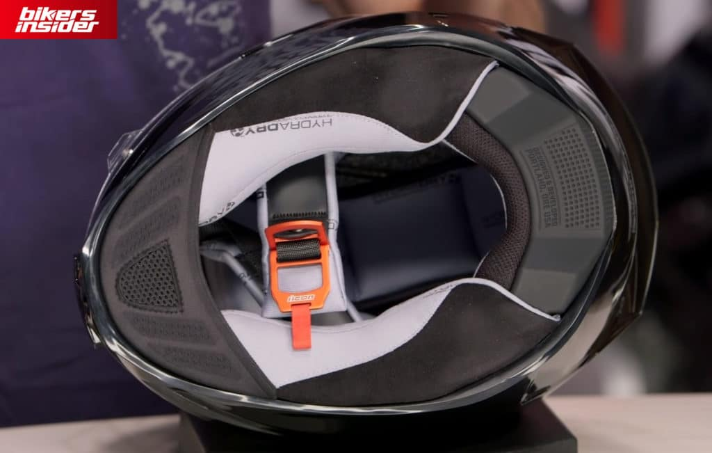 The interior of the Icon Airframe Pro with the chin curtain and D-ring closure system.