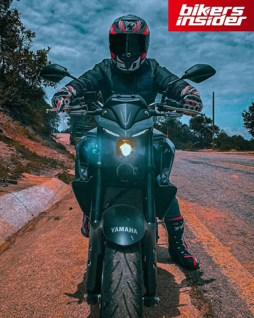 Scorpion Exo-R1 Air is the best motorcycle helmet for the 2021 and the upcoming 2022 season if you value versatility in your helmet.